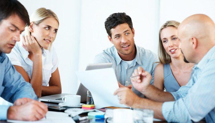 Đặt công nghệ ngang hàng việc kinh doanh để thành công thời 4.0